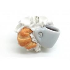 Breloque Chantilly Croissant Tasse de Café en Fimo 28mm pour la Création de Bijoux Fantaisie - DIY