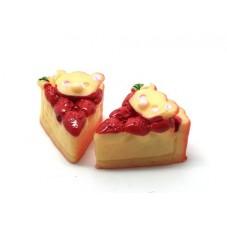 2 Cabochons Part de Gâteau aux Fraises en Résine 18x13mm