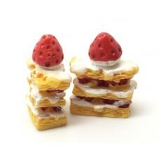 2 Cabochons Gâteau Millefeuille Fraise en Résine 20x26mm pour la Création de Bijoux Fantaisie - DIY
