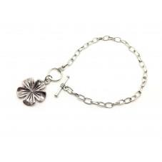 Support Bracelet Argenté avec Fermoir Toggle et Breloque Fleur 195mm