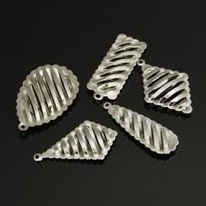 5 Breloques Creuses Ajourées Argenté Mixte 30-33mm pour la Création de Bijoux Fantaisie - DIY
