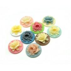 5 Camées Cabochons Roses Fleurs en Résine Multicolore 18mm