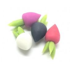 4 Cabochons Radis 4 couleurs Miniature en Fimo 17x8mm