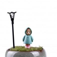 Cabochon Petite Fille Personnage Miniature en Résine pour Globe 32x16mm pour la Création de Bijoux Fantaisie - DIY